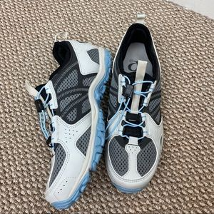 PEARL IZUMI BLUE GRAY WOMENS BIKING SHOES